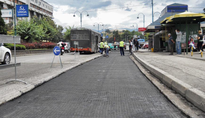 Полимерни мрежи за армирање на асфалтни слоеви