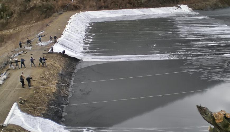 Високо јакосни ткаени геотекстили за прекривање на лагуни и јаловишта